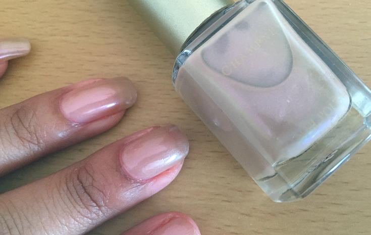 Manicure Monday nude